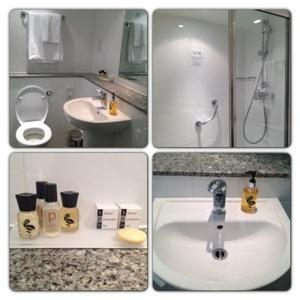 Bathroom at Strand Palace Hotel