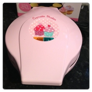 Mini Cupcake Maker in Pink