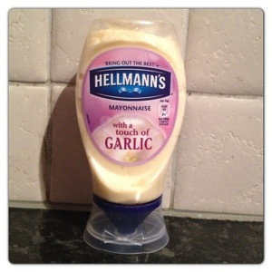 Hellmann's Mayonnaise with a Touch of Garlic