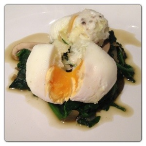 Flavoured Poached Egg with Spinach and Mushroom